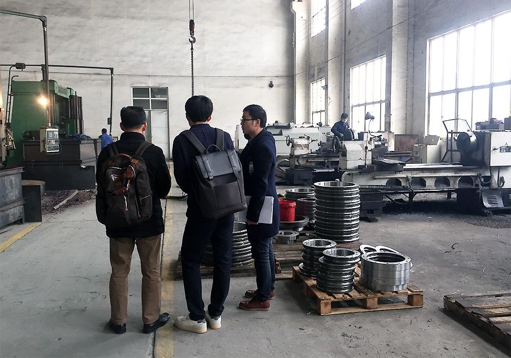 韩国客户到杰恒工厂参观考察