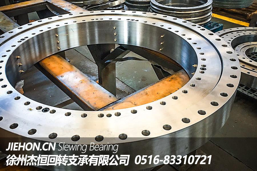徐州回转支承厂家教您如何提高双排球式回转支承的使用寿命