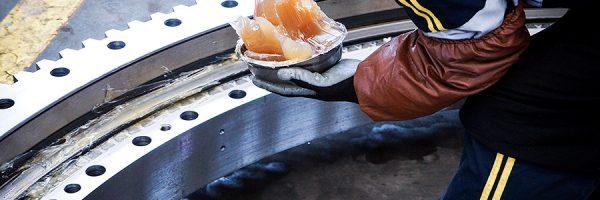 回转支承的安装与维护