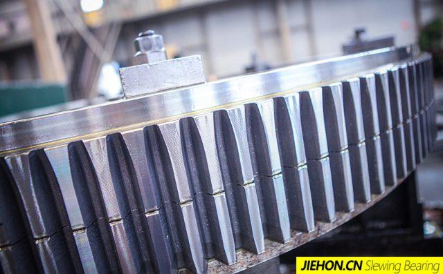 HJW系列外齿式单排交叉滚柱式回转支承